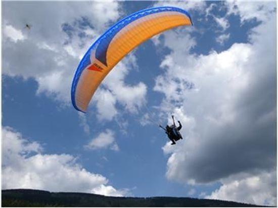 Obrázek z Paragliding tandem - Slet z Černé hory - Krkonoše